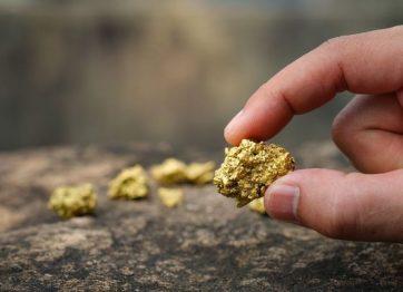 poszukiwania złóż rud metali